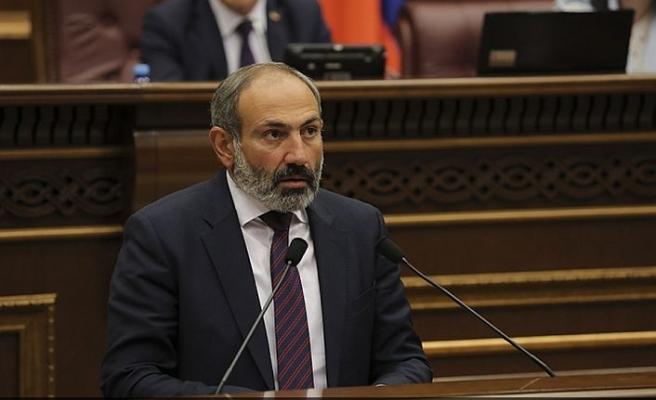Ermenistan'da beklenen istifa geldi