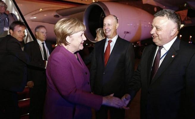 Filistinlilerden Merkel'e Han el-Ahmer çağrısı