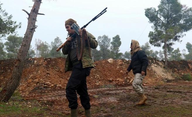 İdlib'deki muhalifler ağır silahları geri çekiyor
