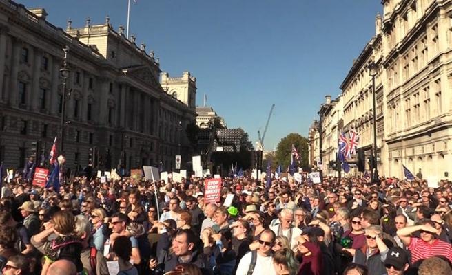 İngiltere'de Brexit karşıtı yüz binler sokaklarda | FOTO