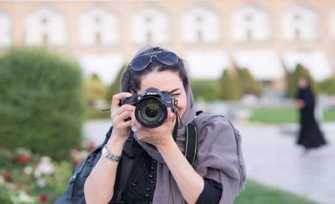 """İran'da fotoğrafçılara """"uygunsuzluk"""" gözaltısı"""
