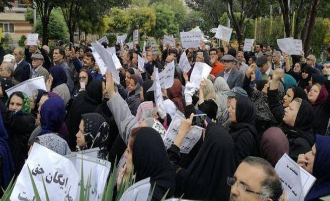 İran'da öğretmenler grevde