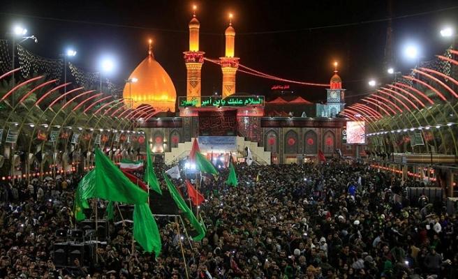 İranlılar Erbain için Irak yolcusu
