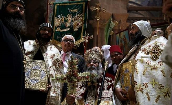 İsrail güçleri Hristiyan din adamlarıyla karşı karşıya