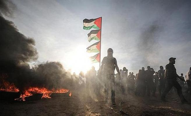İsrail savaş uçağı Filistinli göstericilere saldırdı