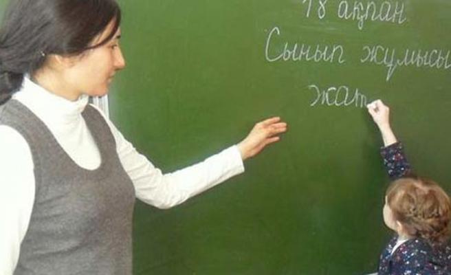 Kazakistan'da Latin alfabeli eğitim başladı