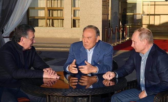 Kazakistan'da üçlü zirve