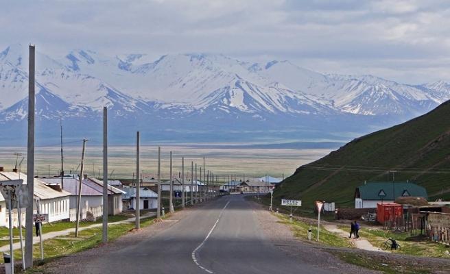 Kırgızistan - Tacikistan arasında 2 ay vizesiz seyahat