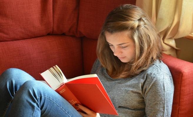 Kitap okumak eğitim açığını kapatıyor