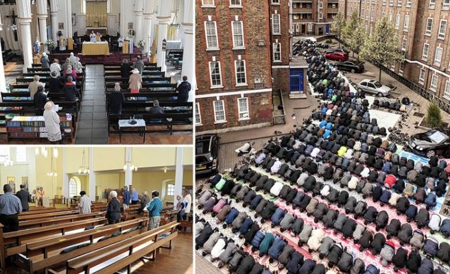 Londra camileri kiliselerinden daha kalabalık