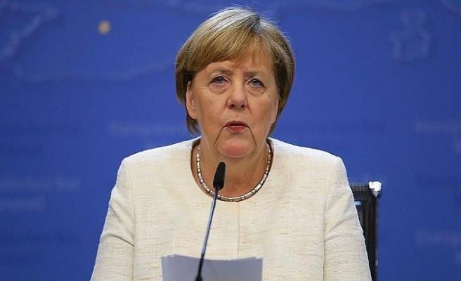 Merkel: Cinayet aydınlatılmadan silah satılmayacak