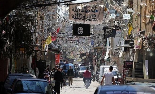 Mülteci kampında Filistinli gruplar çatıştı