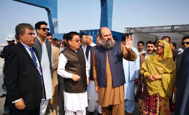 Pakistan'da Çin nüfusu artıyor, halk tepkili