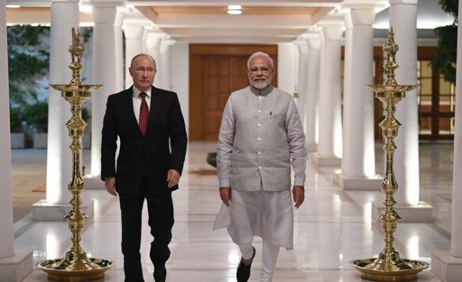 Putin: Hindistan'la işbirliğimiz silahla sınırlı değil