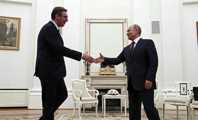 Putin Sırbistan'ı yakın takipte
