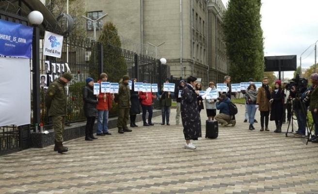 Rusya'nın Kiev Büyükelçiliği önünde protesto eylemi