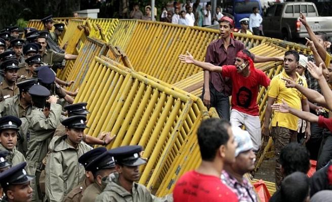 Sri Lanka'da suikast iddiası siyasi kriz getirdi