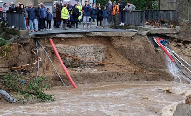 Tahmin edilemeyen sel Fransa'yı vurdu