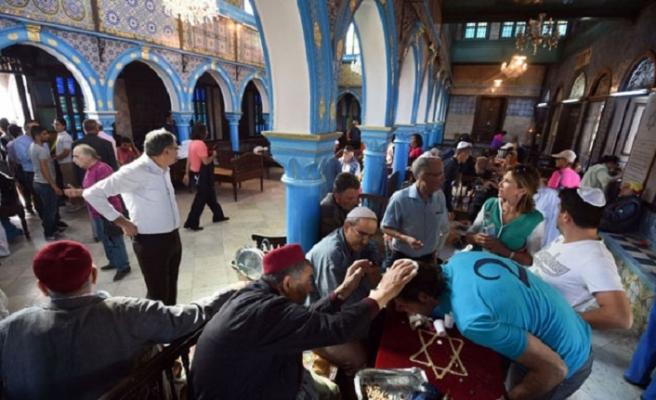 Tunus'ta etnik ayrımcılık yapılamayacak