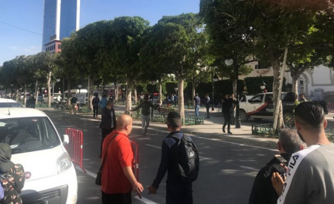 Tunus'ta intihar saldırısı