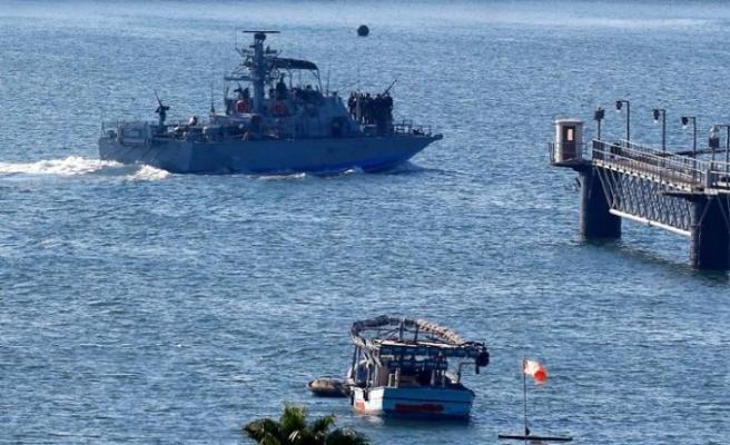 Yakıt gemileri Gazze'ye giremiyor