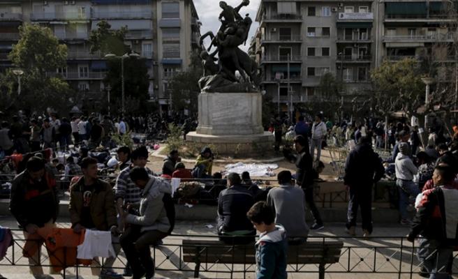 Yunanistan'da kadın göçmenlerin çilesi