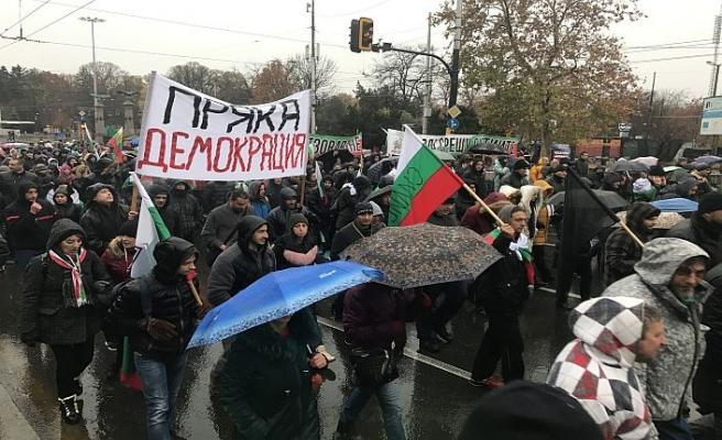 Bulgaristan'da protestocular sınırları kapattı