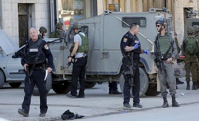 Doğu Kudüs'te bıçaklı saldırı iddiasıyla bir Filistinli vuruldu