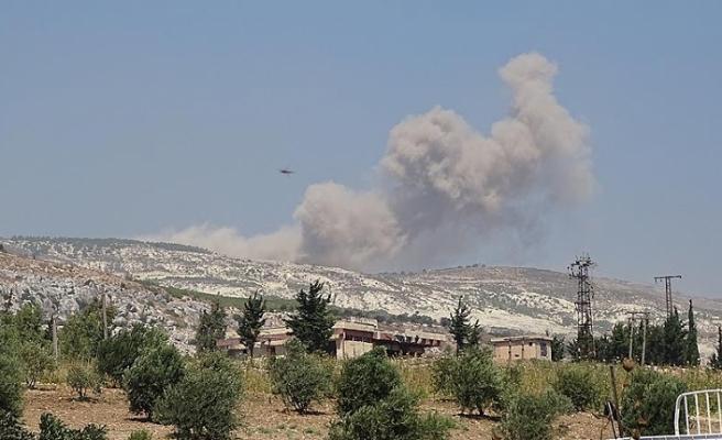 Esed, ateşkes bölgesindeki sivil yerleşimleri vuruyor