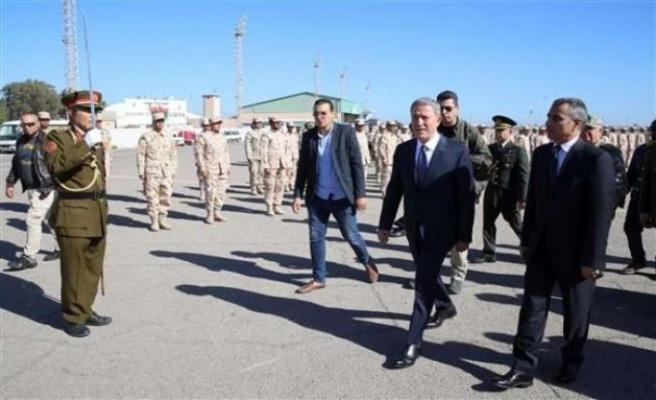 Hulusi Akar'dan Libya'da kritik görüşme
