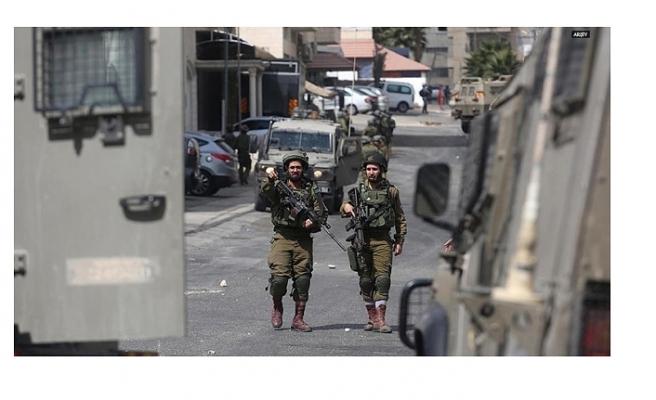 İsrail 8 yaşındaki Filistinli çocuğu gözaltına aldı