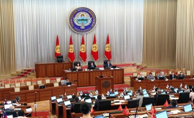 Kırgızlar, Tacikistan'da 60 gün kayıtsız kalabilecek