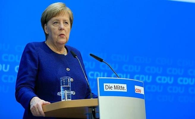 Merkel, federal hükümetin sürmesinden yana