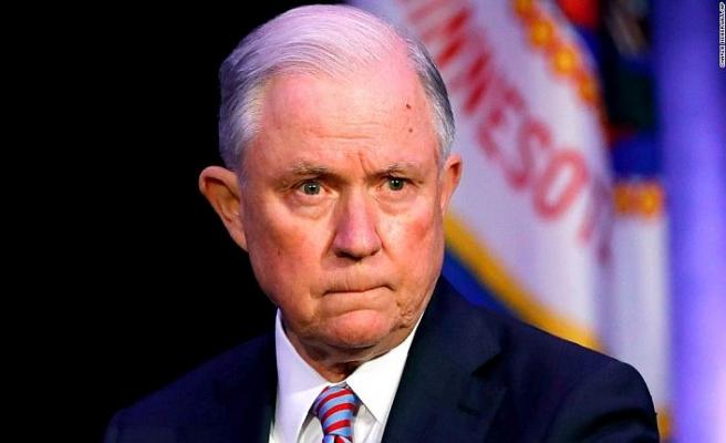 Seçimden hemen sonra Adalet Bakanı Jeff Sessions istifa etti
