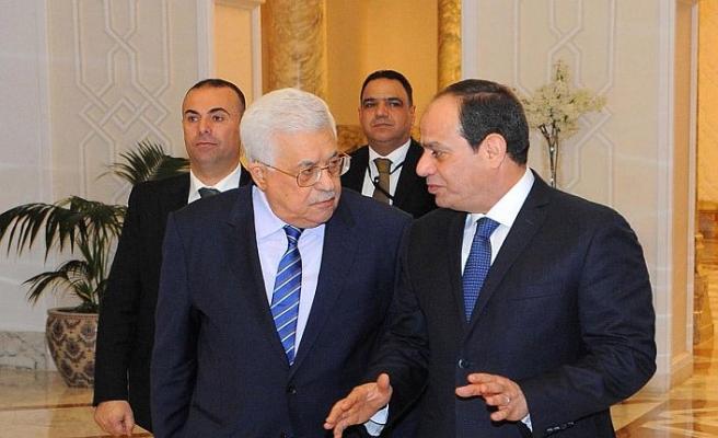 Sisi'den Abbas'a