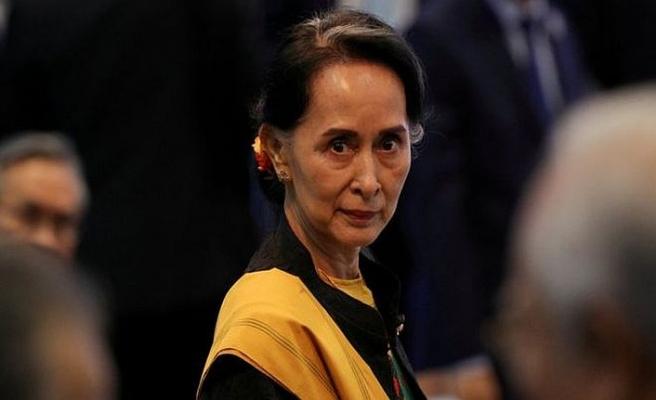 'Vicdansız' Myanmar liderinden ödül geri alındı