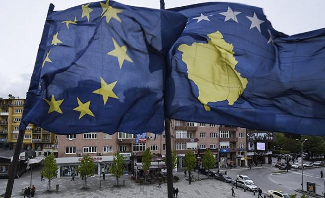 AB'den Kosova'ya çağrı