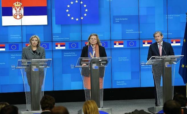 AB ile Sırbistan arasında yeni fasıllar açıldı