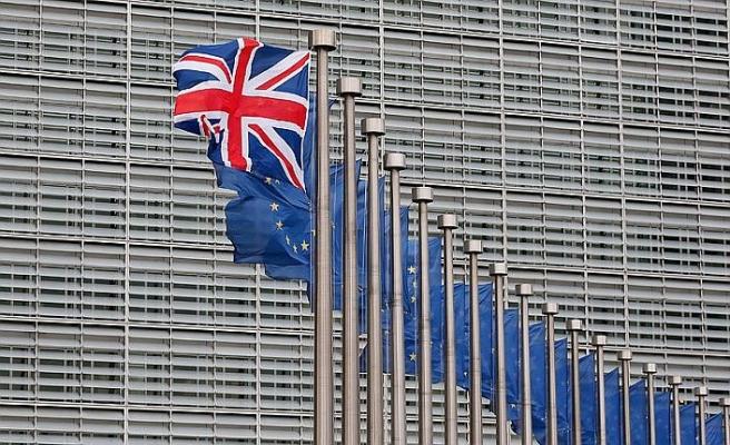 AB yeni Brexit müzakeresine kapıyı kapattı
