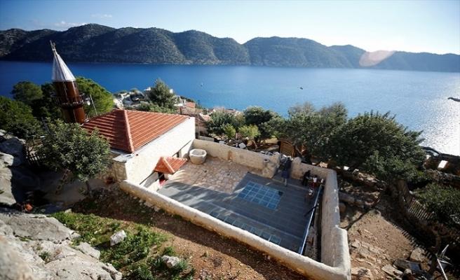 Antalya köylüsü 77 yıl sonra camiye kavuştu
