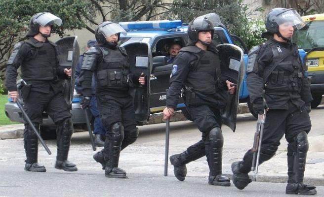 Arjantin'de polise 'vur yetkisi'