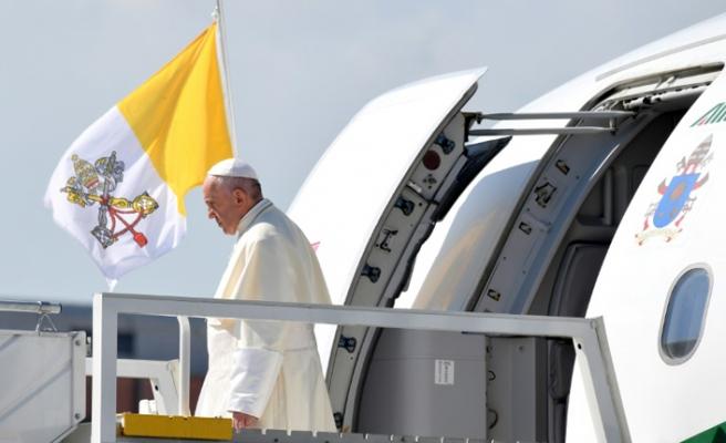 BAE Prensi Nahyan'dan Papa Francis'e davet