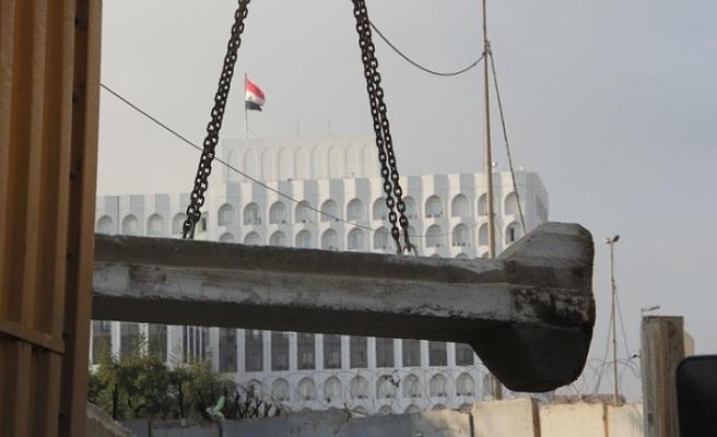 Bağdat'taki 'ABD işgalinden kalma beton bariyerler' kaldırılıyor