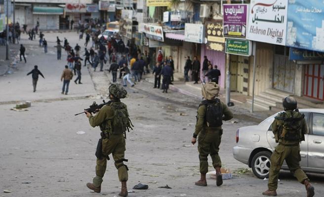 Batı Şeria'da 3 Filistinliyi yaralandı