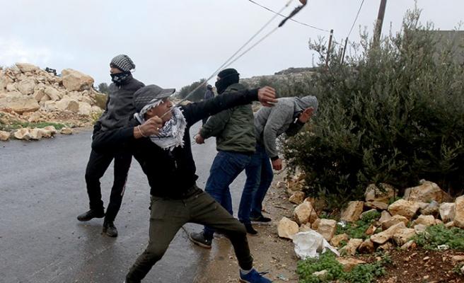 Batı Şeria'da sapanlı direniş