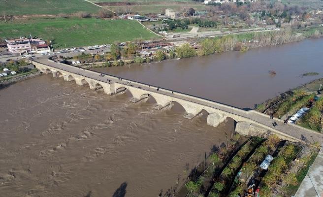 Dicle barajından akan suyun hızı azaldı