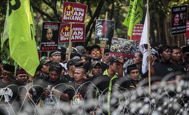 Endonezya'da Myanmar protesto edildi