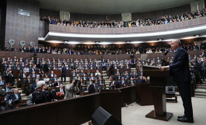 Erdoğan Hulusi Akar'a kürsüden sahip çıktı