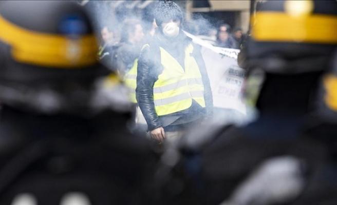 Fransa Başbakanı Philippe'den 'düzen' çağrısı