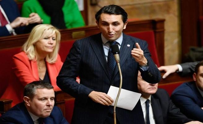 Fransa'ya giden yabancılara Fransızca isim verilmesi tartışması